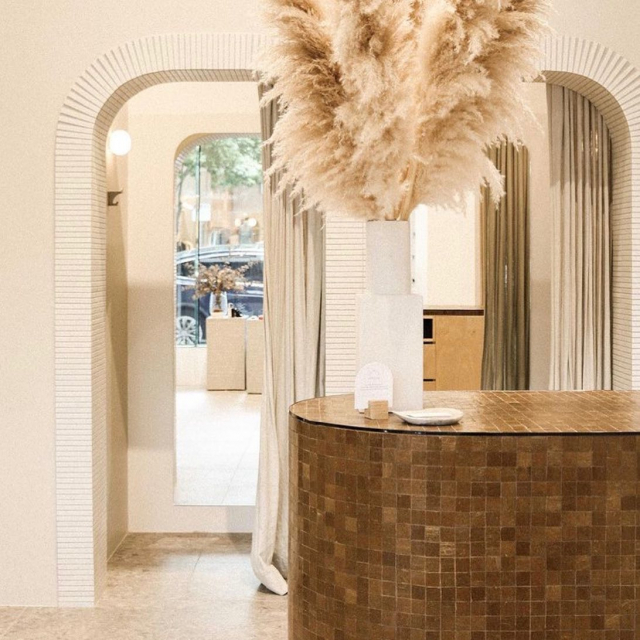Our fabulous white Stax featured in @wolfeandordnance located at @thecalilehotel - isn't this dreamy !